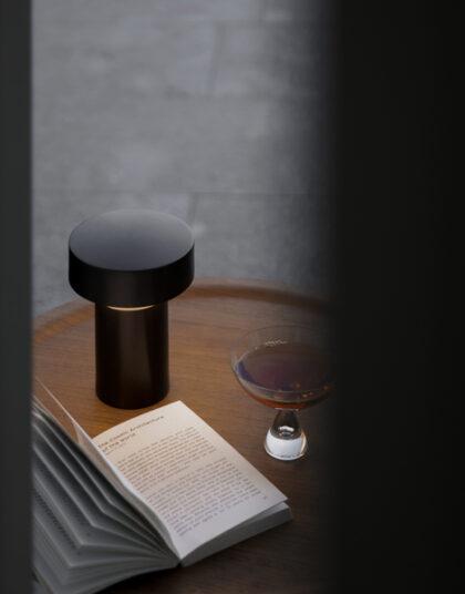 Column table lamp (Menu)