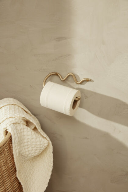 Curvature toilet paper holder (Ferm Living)