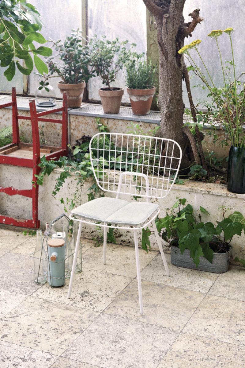 Menu string chair white
