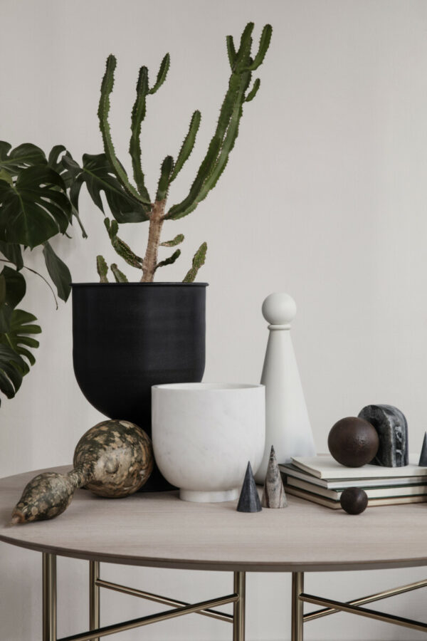 Hourglass pot (Ferm Living)