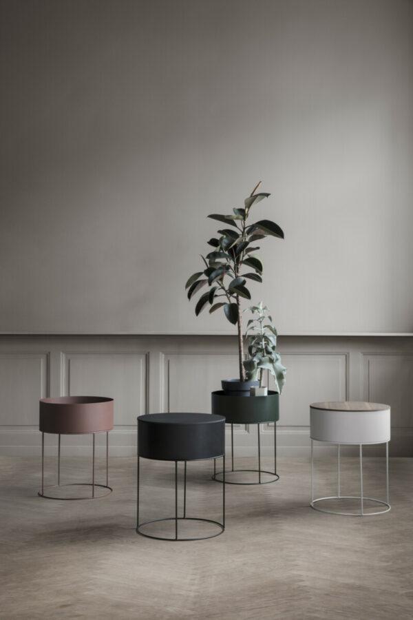 round plant box (Ferm Living)